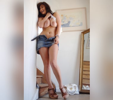 telephone rose cougar sexy