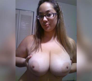 jeunette gros seins tel rose salope